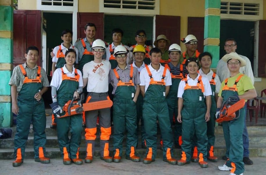 TRAINING-ON-SUSTAINABLE-FORESTRY-VIETNAM-2-1024x575