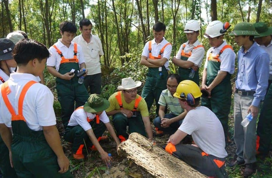 TRAINING-ON-SUSTAINABLE-FORESTRY-VIETNAM-3-1024x575